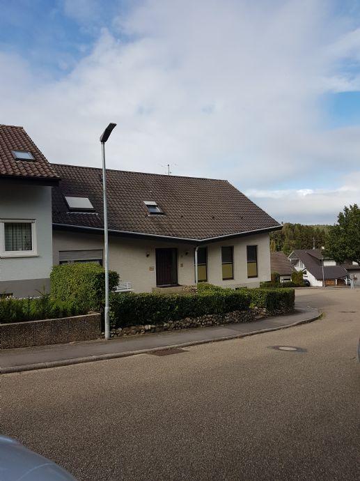 Haus mit Einliegerwohnung in Bretten - Sprantal