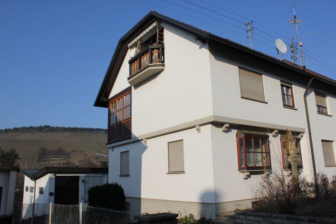 Große Doppelhaushälfte inklusive Gewerbeeinheit (Halle/Atelier/Werkstatt/Bürobereich) in Lauda/Gerlachsheim