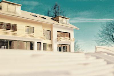 Starnberg, zentrale, beste Lage, vom Top-Architekten gestaltete, klassisch moderne Villenhälften