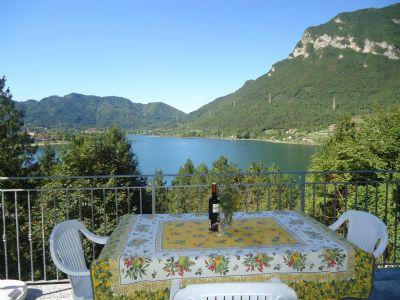Villa Carlotta, Ferienwohnung für max 5 Personen mit phantastischem Blick und nur 300m zum See