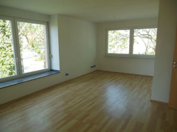 super Single Wohnung 2,5 R in zentraler Lage , renoviert, opt. Garage