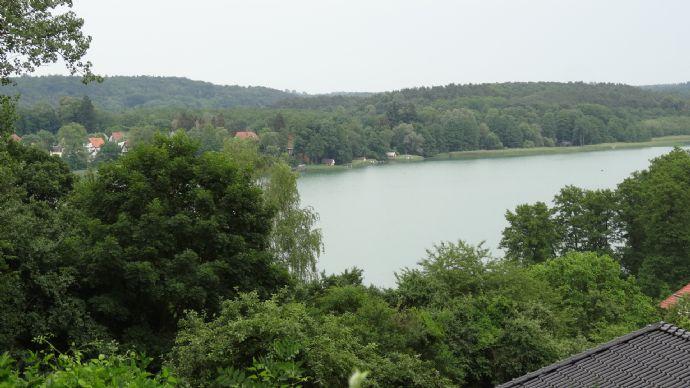 Großes Grundstück mit Seeblick in der Märkischen Schweiz (bebaut)