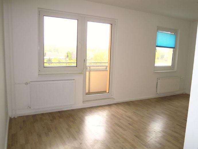 Sanierte 3-Zi-Whg mit Balkon und Einbauküche in Beelitz!