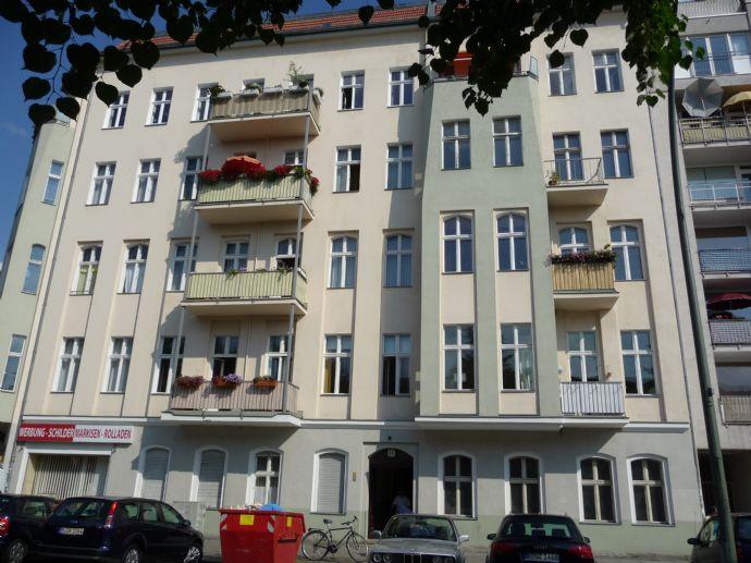 3-Zimmerwohnung plus ca. 25 m² Wohnküche mit EBK, Dusche - zw. Südstern u. Gneisenaustraße