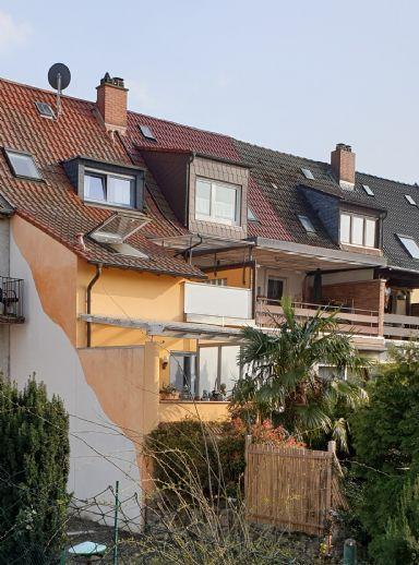 WÄHLEN SIE DAS BESTE!!! TOP modernisiertes Reihenhaus 5,5 Zi., Kü., 2 Bäder, Gä/WC, Terrasse , reizvoller Garten .....