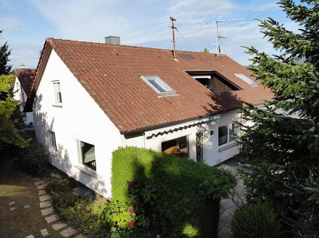Ein- bis Zweifamilienhaus mit Anbau und Garten in Balingen -Keine Maklergebühr-