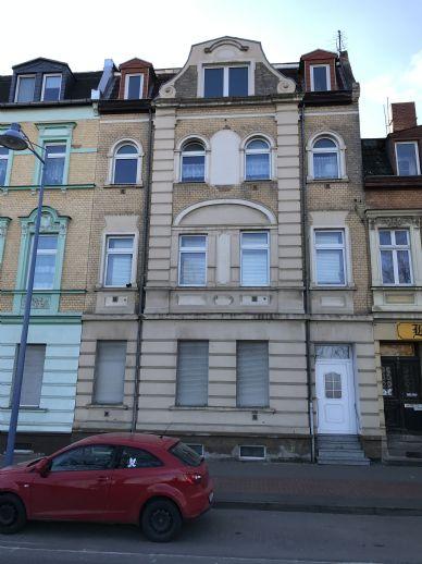 Mehrfamilienhaus teil saniert in Bernburg/Saale