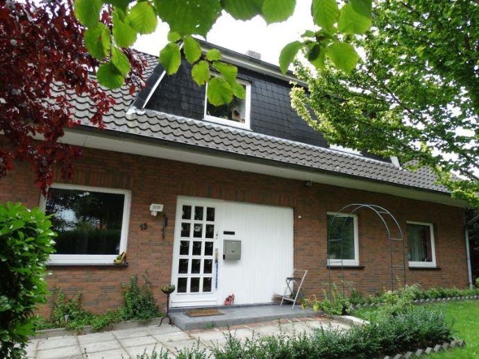 !!! VERKAUFT !!! Ruhig gelegenes, ca. 307 m² großes Einfamilienhaus, Mehrgenerationenhaus, inkl. Einliegerwohnung (auch als Gewerb