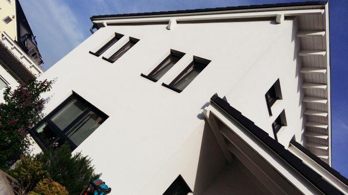 Modernes & lichtdurchflutetes EFH mit separater ELW bei Darmstadt, Weiterstadt (provisionsfrei)
