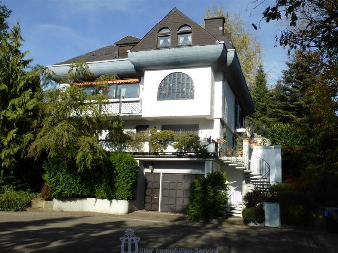 Villenanwesen mit Einliegerwohnung in herrlicher Stadtrandlage von Saarbrücken