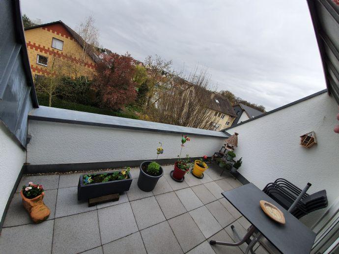 3,5-Zimmer-Wohnung mit 77 m² Wfl. im 2. Stock - Baujahr 2000