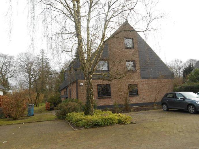 Ammersbek-Ahrensburg -3 Zimmerwohnung im Erdgeschoß eines 6-Familienhauses