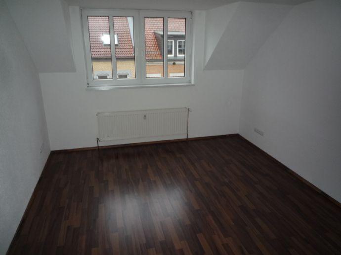 2 Raum Wohnung mit EBK / Laminat / Dusche in der Nähe der Erfurter-Steinplatzarkaden / FH Nähe