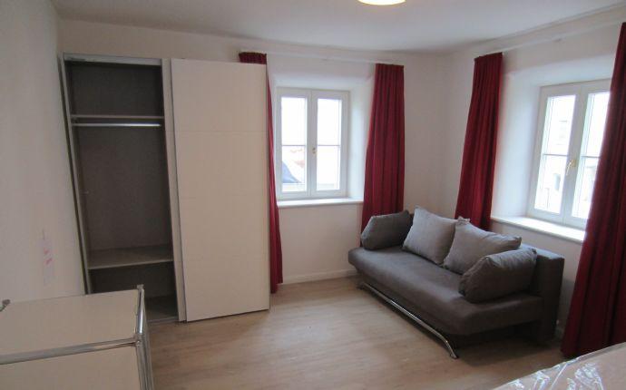 Apartment vollmöbliert im historischen Gebäude an Single zu vermieten (AP 1)