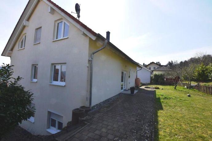 Großzügiges und modernes 3-Familienhaus in bester, grüner und ruhiger Lage von Stockach.