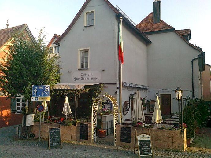 Gunzenhausen a. Altmühlsee : Italienisches Restaurant, total neu renoviert, mit Nebenzimmer und große 4-Zi-Wohnung im OG bzw. DG zu vermieten