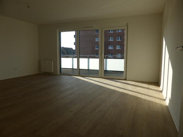 Trendige 2 Zi.Penthouse Wohnung mit sonniger Dachterrasse im wärmegedämmten Haus in Norderstedt-Glashütte zu vermieten!!