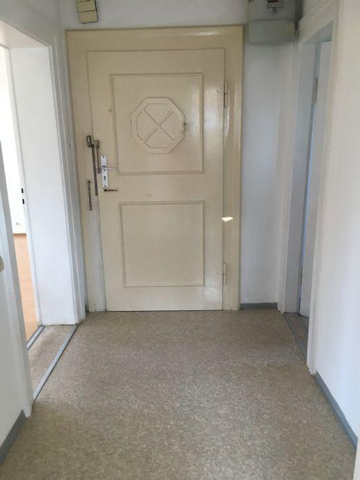 helle 2-Zimmer-Wohnung mit Erker am Tillypark in Nürnberg!