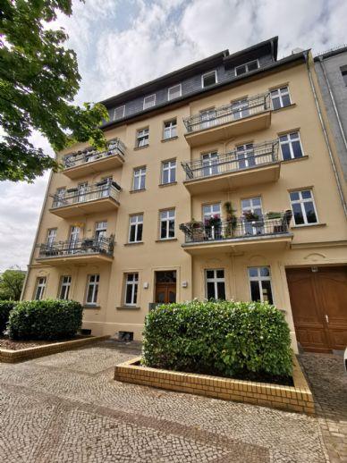 59m² - 130m² Geräumige Altbau Wohnungen im Grünen