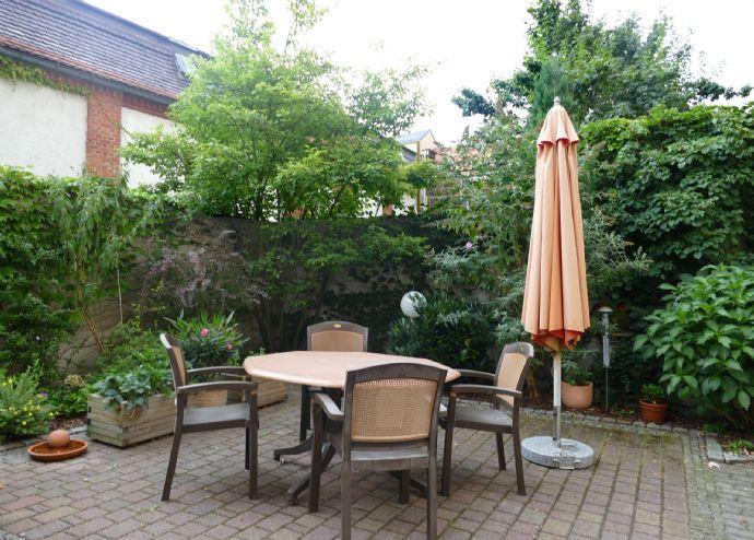 Preiswerte Wohnung mit Balkon (Veranda) in ruhiger Zentrumslage sucht netten Mieter/in