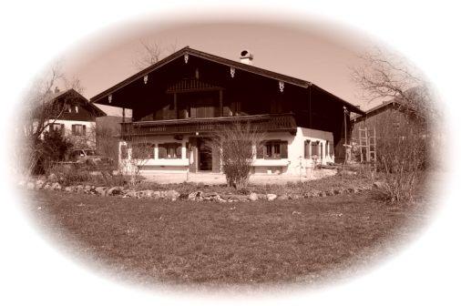 **Seltenes Angebot** Denkmalgeschütztes Bauernhaus mit ca. 3.850 m² im Ortskern von Unterwössen