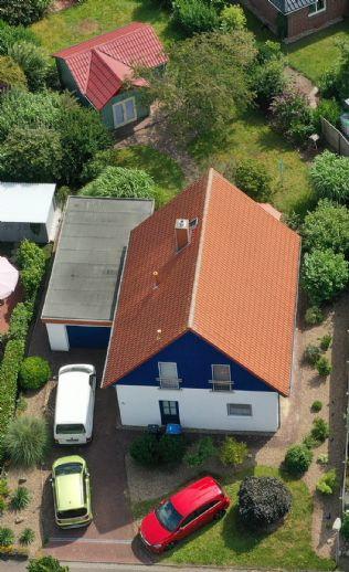 Neuwertiges Einfamilienhaus mit Gästehaus auf großem Grundstück in Hemmoor