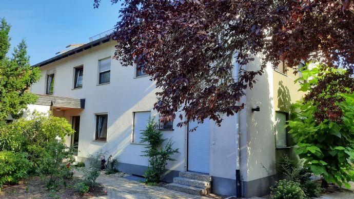 Provisionsfrei vom Eigentümer: 3-Fam.-Haus mit Gewerbefläche in Eibach