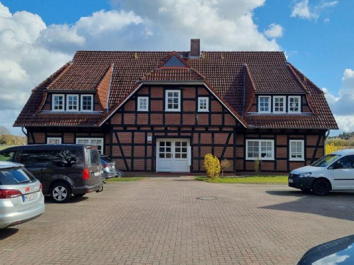 Großzügige Wohnung über 2 Ebenen in schönem Fachwerkhaus