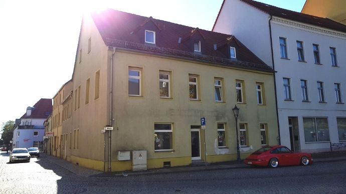 Geräumige helle 2 Raumwohnung am Marktplatz von Delitzsch