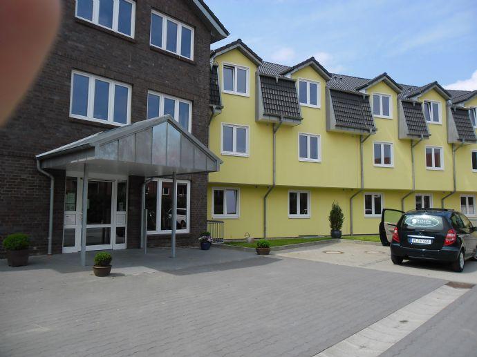 Pflege-Apartment AKTUELL FREI :  1 Zimmer Seniorenwohnung in der Seniorenresidenz Apfelhof  mit 24 St. Betreuungsservice durch Pflegedienst Vitalis