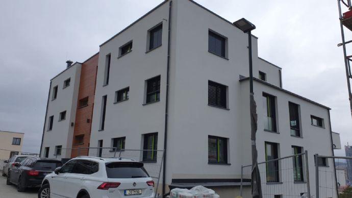Schöne 2-Zimmer Wohnung Balkon und herrlichem Blick am Hausberg- Erstbezug !