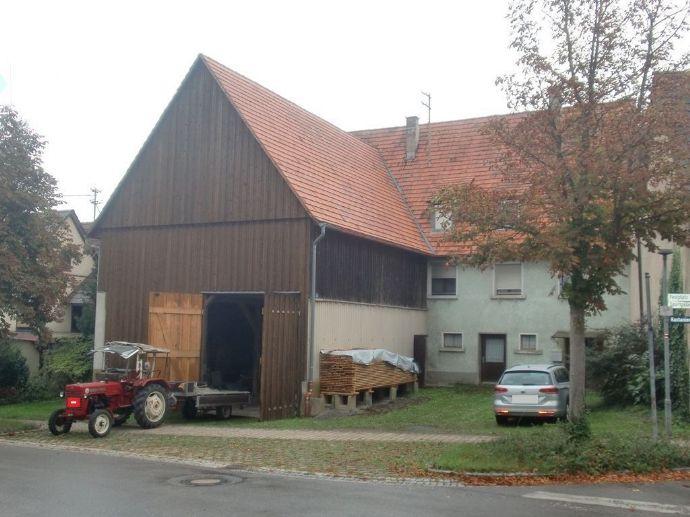212 Pferdeliebhaber und Bauträger aufgepasst: landwirtschaftliches Anwesen mit Charme und Potenzial