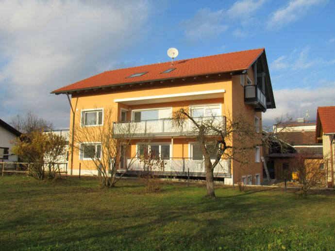 Qualitativ hochwertige Etagenwohnung mit Terasse u.Balkon