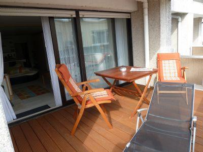 Wohnung mit Balkonterrasse, Fahrstuhl und Schwimmbad, Sauna und Bäckereicafé im Haus