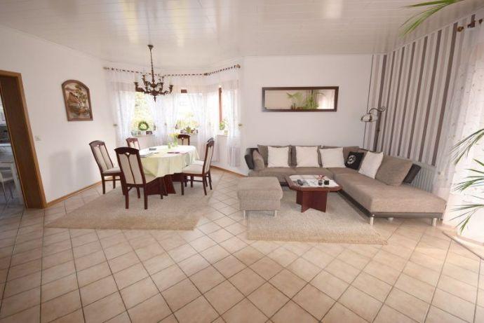 Schönes, helles Einfamilienhaus mit Vollkeller und ausgebautem Dachgeschoss in Velpke...