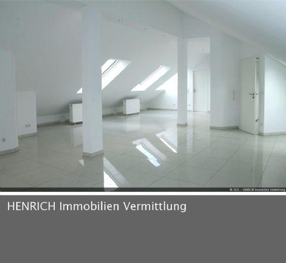 Großräumige Büro- Atelierflächen mit hochwertiger Austattung in sehr guter Lage