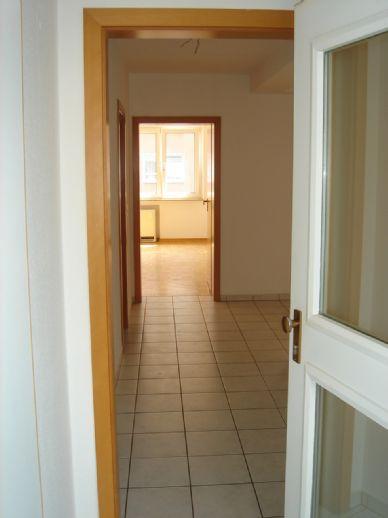 Großzügige 2- Raumwohnung in zentraler Lage von Essen- Bergerhausen. Garage möglich.