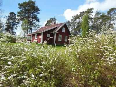 Altes schwedisches Ferienhaus mit Seeblick in Smaland