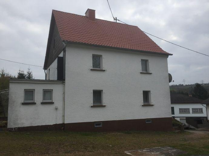Wohnhaus mit Garage in ruhiger zentraler Lage