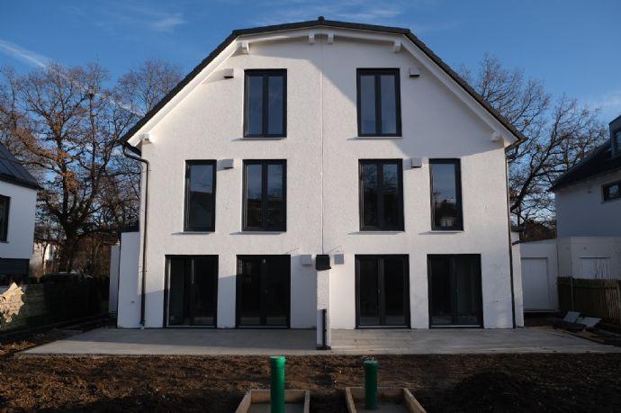 Traumhafte Neubau-Doppelhälfte auf idyllischem Grundstück mit Parkblick in Berg-am-Laim / von privat an privat (keine Makleranfragen) - Erstbezug