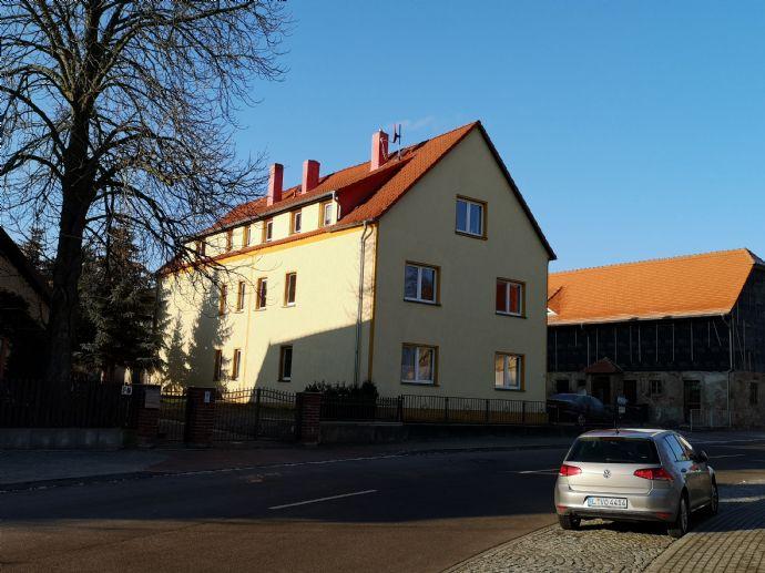 Geräumige 3-Raum-Wohnung mit Balkon, sep. Eingang und Gartenmitbenutzung