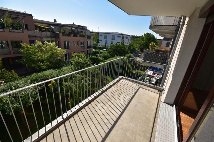 Frankfurter Bogen: Großzügige 3-Zi.-Neubau-Wohnung mit offenem Wohn-/Essbereich, XL-Balkon, EBK, 1A-TL-Bad & Parkett