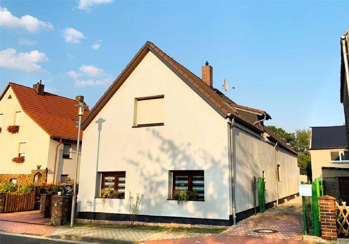Kernsaniertes Einfamilienhaus mit Neubauanteil bei den Kleinpösnaer Kiesgruben
