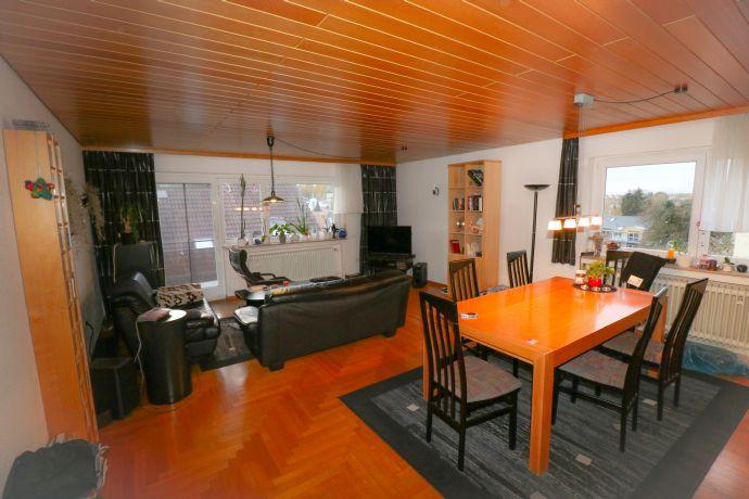 Heimwerker aufgepasst! Einfamilienhaus mit Einliegerwohnung in idyllischer Lage zum Kauf!