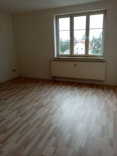 Hübsche, helle 2-Raum-Wohnung mit Einbauküche sucht neuen Mieter