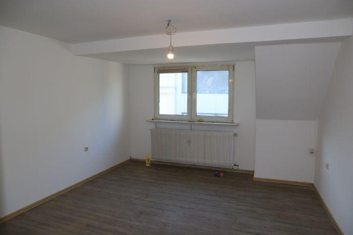 2,5-Zimmer Wohnung, frisch renoviert, Citylage