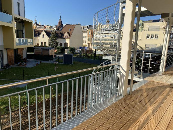 Deine top luxuriöse NB-Whg. - absolut ruhig - Balkon-Aufzug-Fussbodenheizung-elektr. Rolläden