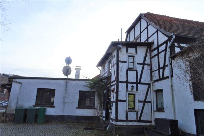 Historisches Wohn- und Gewerbeobjekt in Mischgebiet