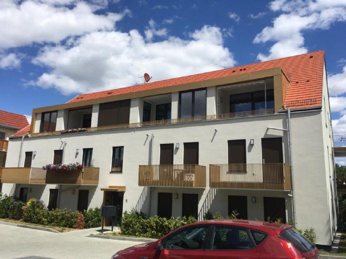 Schicke 2-Raum in Neubau mit Einbauküche und Stellplatz