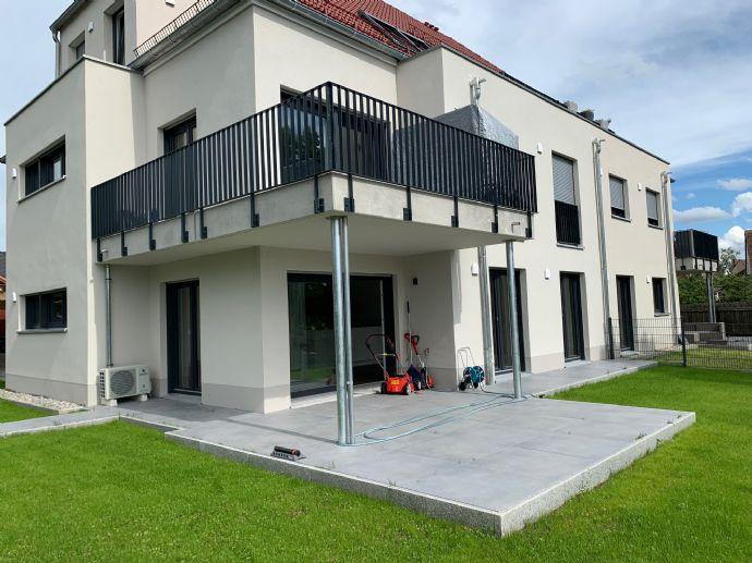 Top of the Line!! Terrassenwohnung mit 200qm Garten, Sauna und Whirlpoolbadewanne und tollem Blick am Rednitzwiesengrund